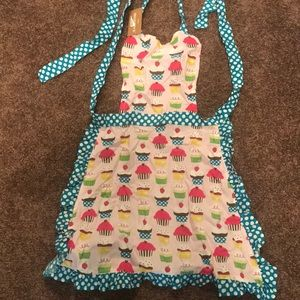 Brand new apron with cupcake print